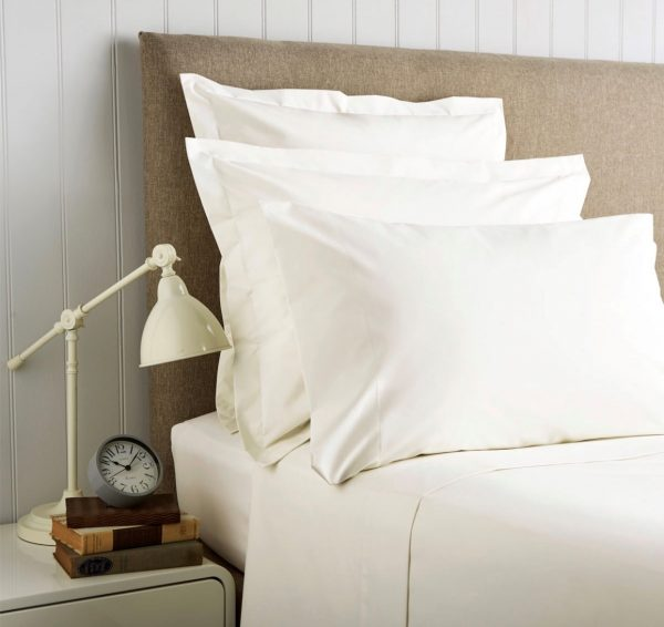 Christy 400 TC Ivory Standard Pillowcases