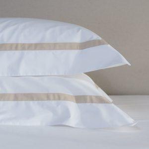 Saville 220 Edge white Taupe Bedding